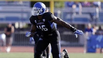 Khalil Mack ha sido comparado con Von Miller de Broncos (AP-NFL).