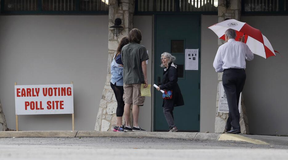 Texas celebra las primeras elecciones primarias del 2018 ap-180516656867...
