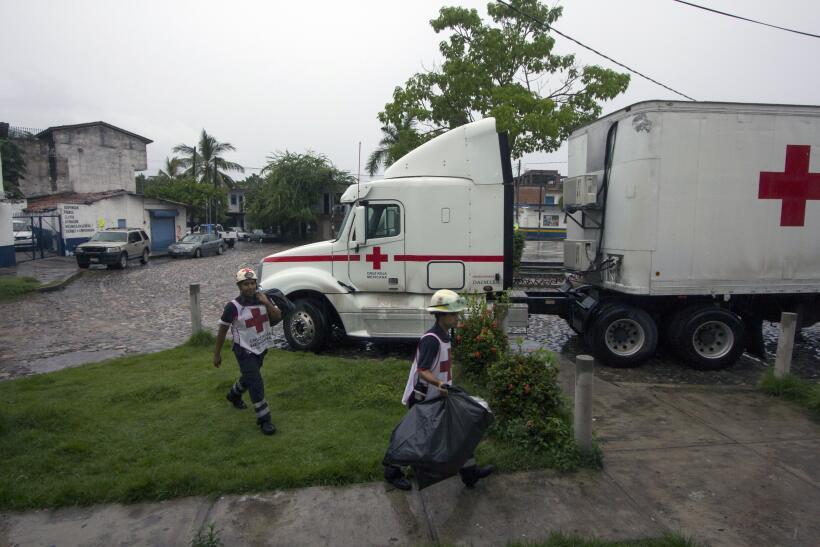 Puerto Vallarta recibe al potente huracán Patricia GettyImages-493983432...