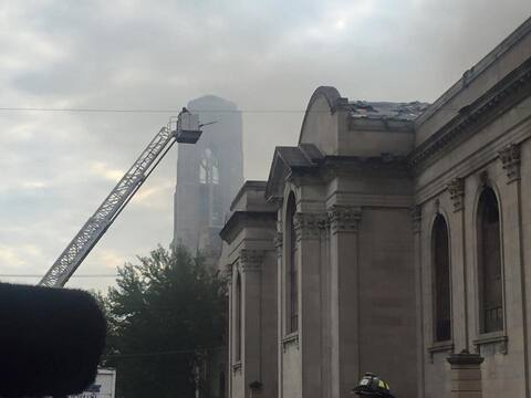 Se reportó un incendio en la iglesia Shrine of Christ the King al...