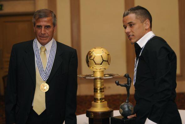 Los dos galardonados juntos. Un premio que junto al que recibió Leo Mess...