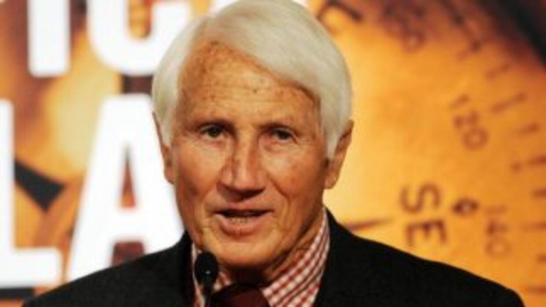 Bonatti se retiró de la profesión en 1965, y se dedicó a viajar y a escr...