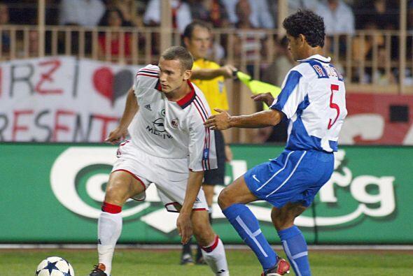 En el 2003 el Milán levantaría la copa con un gol del ucraniano Andrei S...