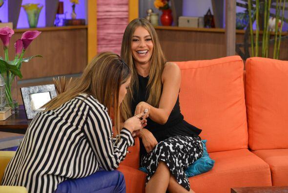 Karla estaba realmente sorprendida, le encantó el anillo de Sofía.