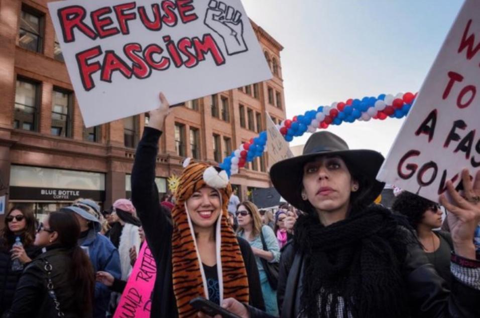 'El Chivo' Lubezki también asistió a la Marcha de las Mujeres en...