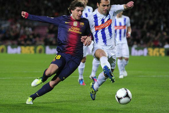 Un equipo con varias caras poco comunes mostró el Barcelona en el duelo...