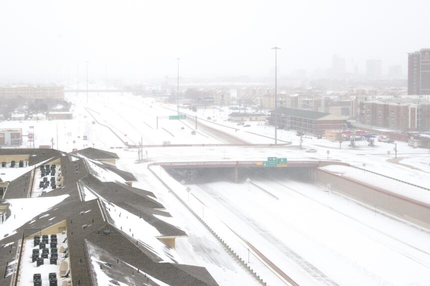 Desastres en varios estados por tormentas, lluvias y nieve nevada-texas2...