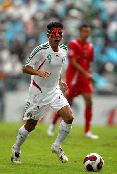 No nos podíamos olvidar de Nery Castillo que lució más por la máscara pr...