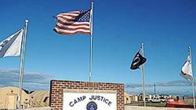 La prisión de Guantánamo está ubicada en una base naval que posee Estado...