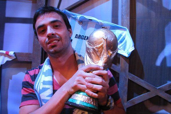 Matías Márquez tiene 27 años y es de Argentina.