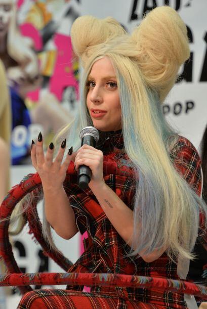 Disfruta de otros 'looks' que han dado de qué hablar de la cantante.