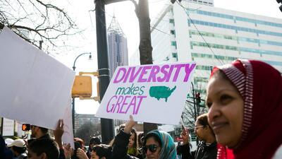 En fotos: fin de semana de protestas contra Trump en EEUU