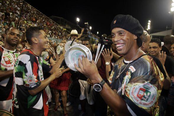 Ronaldinho no sólo salió campeón con el Flamengo en la Copa Guanabara de...