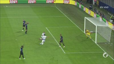 Anulado gol a Son: tras un gran remate de Lamela, el coreano anotó pero en claro fuera de juego