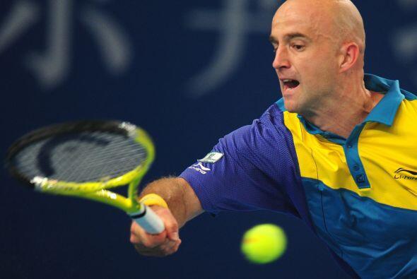 Ljubicic enfrentará a Ferrer en una de las semifinales del torneo de Pekín.