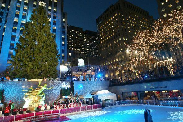 Un buen programa en época de invierno es patinar en el hielo. En Nueva Y...