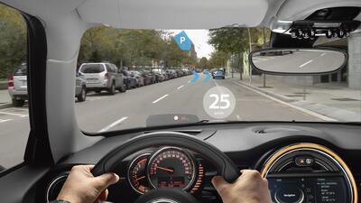 MINI presenta sus lentes con realidad aumentada