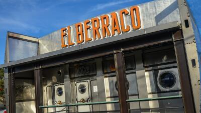 Restaurante de Arizona lleva a sus comensales al mundo de las narcoseries