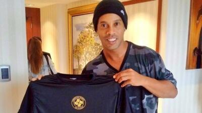 Ronaldinho invitó a no manejar en estado de ebriedad