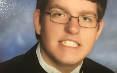 Andrew Henckel, de 19 años de edad, fue acusado de ahogar a un ni...