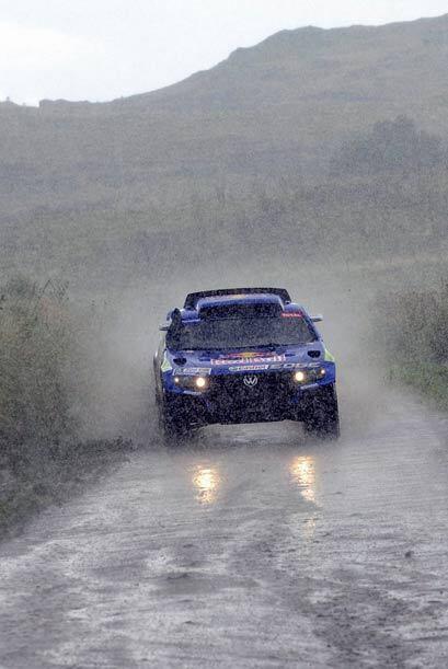 La lluvia no pudo parar el gran ritmo de Sainz al volante de su Volkswag...