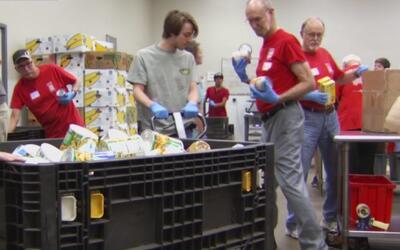 El banco de comida del condado de Tarrant busca acabar con el hambre en...