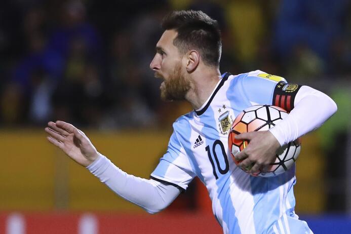 Messi, el 'crack' que llevó a Argentina al Mundial con su triplete a Ecu...