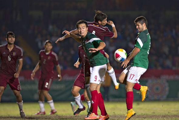 México goleó a Venezuela por 4-1 y festejó a lo gra...