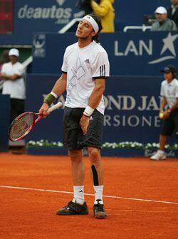 El tenista ibérico derrotó al local Juan Mónaco, quien vio frustrado su...