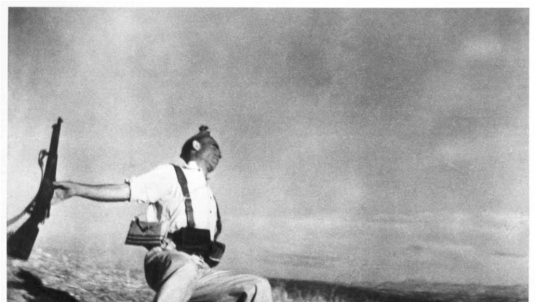 'The Falling Soldier.' Robert Capa.