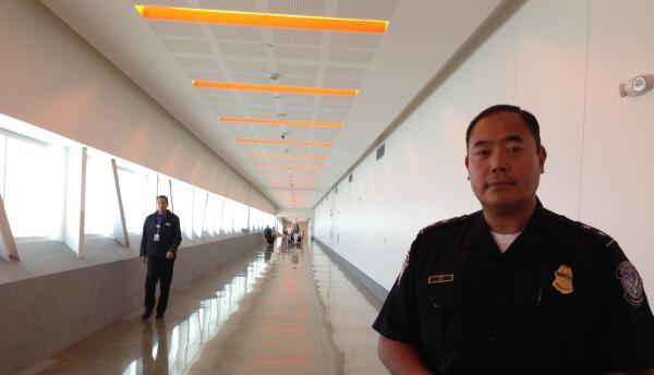 Sidney Aki, jefe de Aduanas y Protección Fronteriza en el puente CBX.