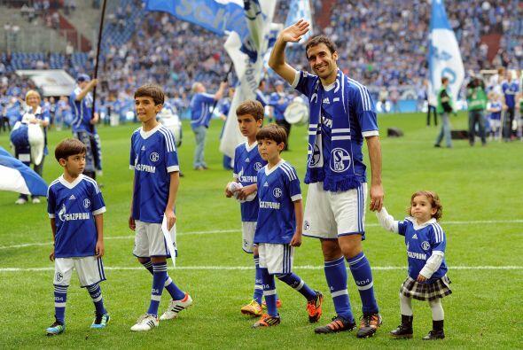 Raúl jugó su último partido con la camiseta del Schalke 04.