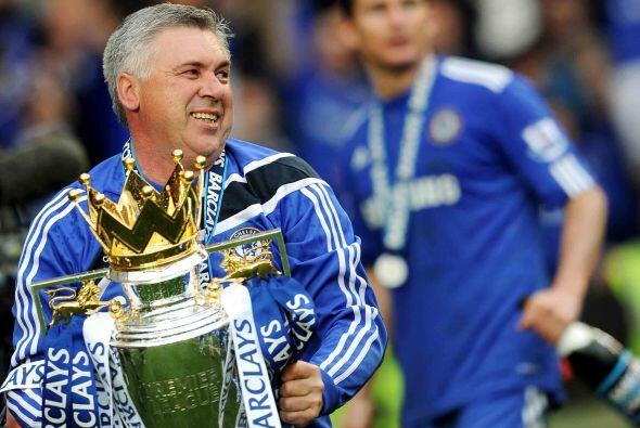 El italiano Carlo Ancelotti logró hacer campeón al equipo en su primera...