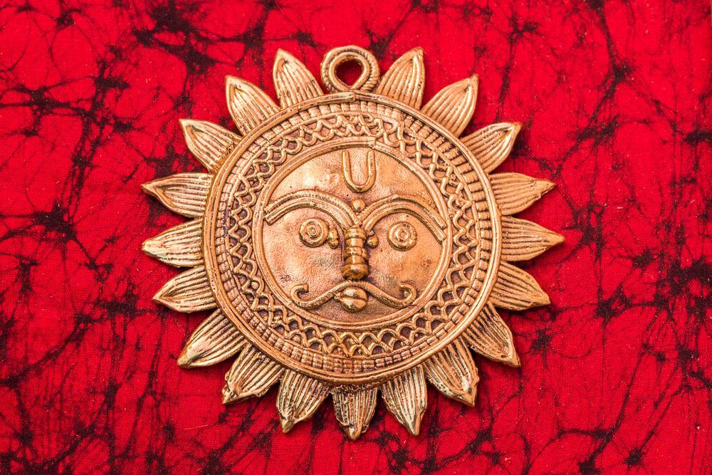 sol de bronce