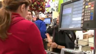 Residentes de New Jersey que usan cupones de alimentos son afectados por el cierre del gobierno