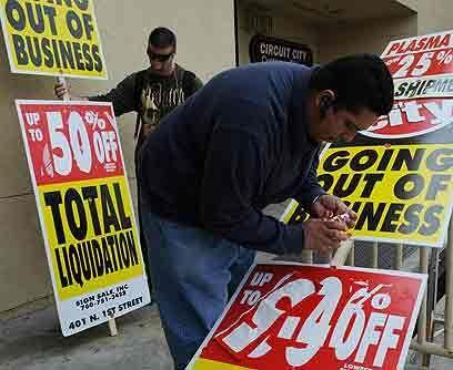 Daños colateralesLa crisis económica dejó important...