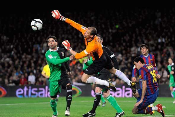 EL Barcelona tuvo varias oportunidades ante un Racing desconcertado y qu...