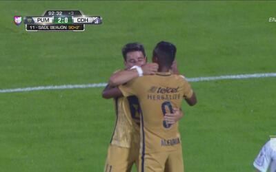 Otro golazo de Pumas, Saúl Berjón tiró de tres dedos para batir a Hondur...