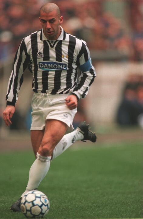 El italiano Gianluca Vialli pasó de la Sampdoria a la Juventus po...