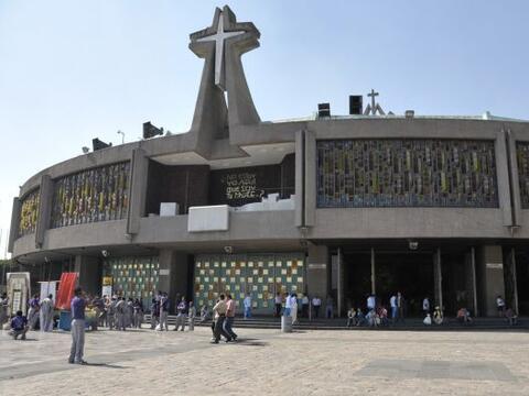 La Basílica de Guadalupe es uno de los recintos católicos...