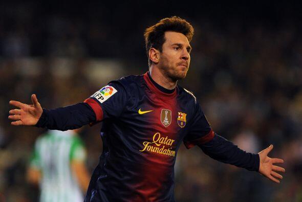 La delantera inicia con el que probablemente sea bien nombrado el futbol...