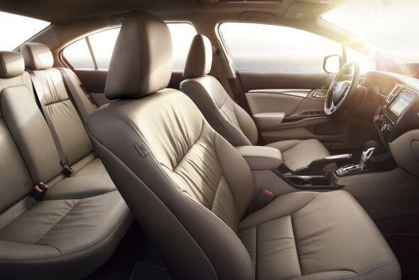 Honda Civic Hybrid 2015- El corazón del Civic Hybrid tiene el sistema in...