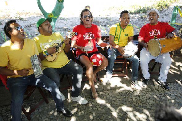 Carlos Vives sigue con su campaña en la Copa del Mundo y tal como lo pro...