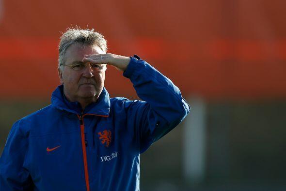 La Oranje ahora es dirigida por Guus Hiddink quien vuelve al timón de Ho...