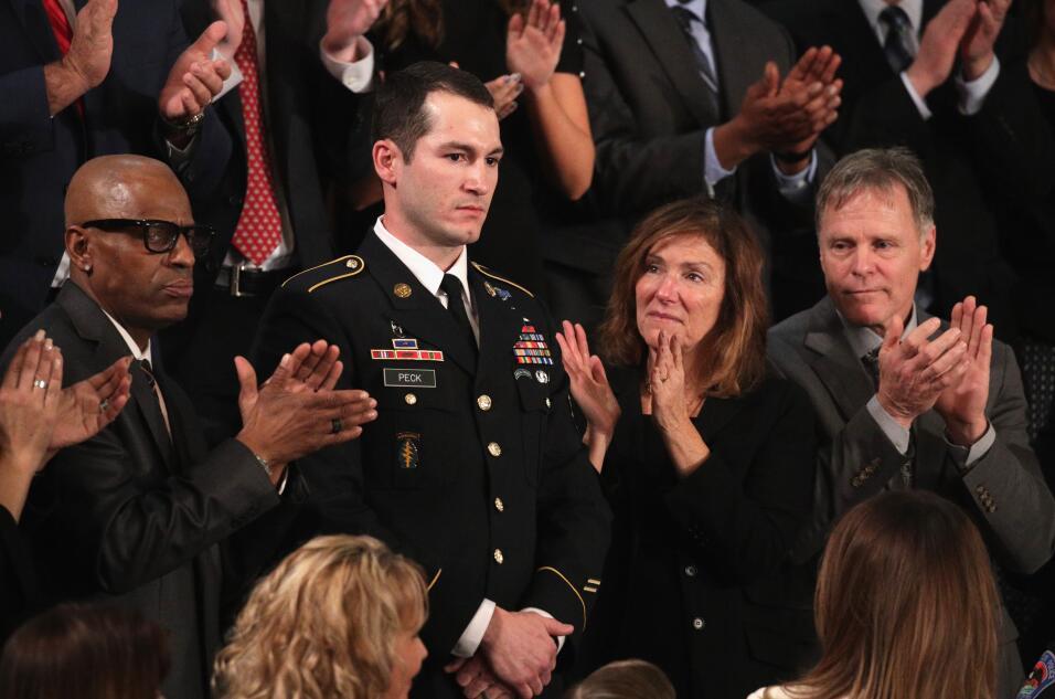 El sargento del ejército Justin Peck, reconocido durante el discu...