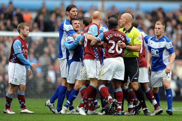 Los goles nunca llegaron en este partido, que sí tuvo algunas fricciones...