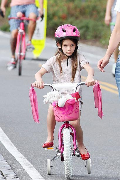 Algunos años atrás andando en bici con rueditas.