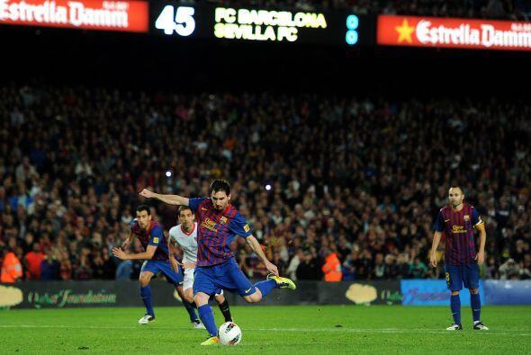Messi lo ejecutó pero no pudo batir al portero Javi Varas.