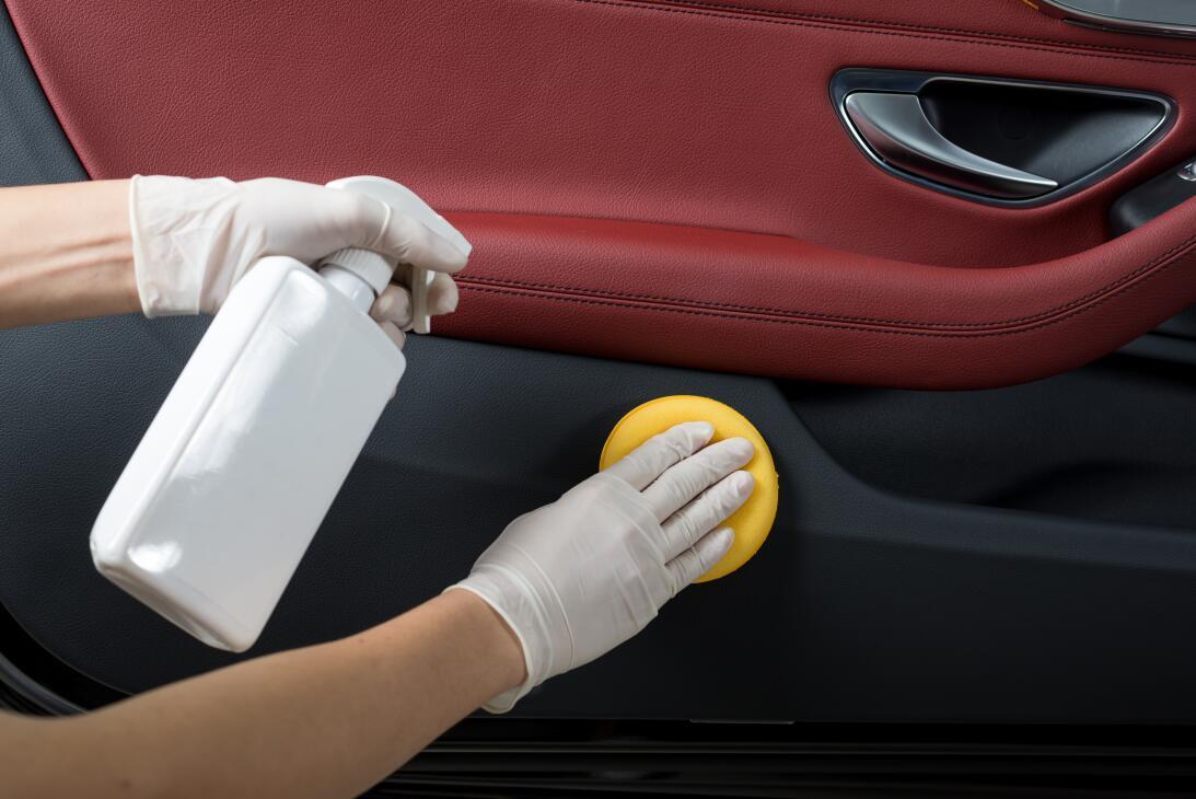 10 tips para lavar tu carro como todo un profesional  shutterstock-49666...