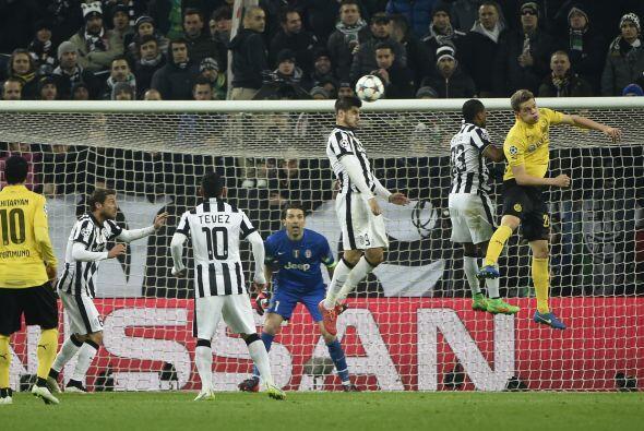 En el segundo tiempo los dos equipos salieron en búsqueda de más goles s...